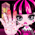 game Draculaura Hand Doctor